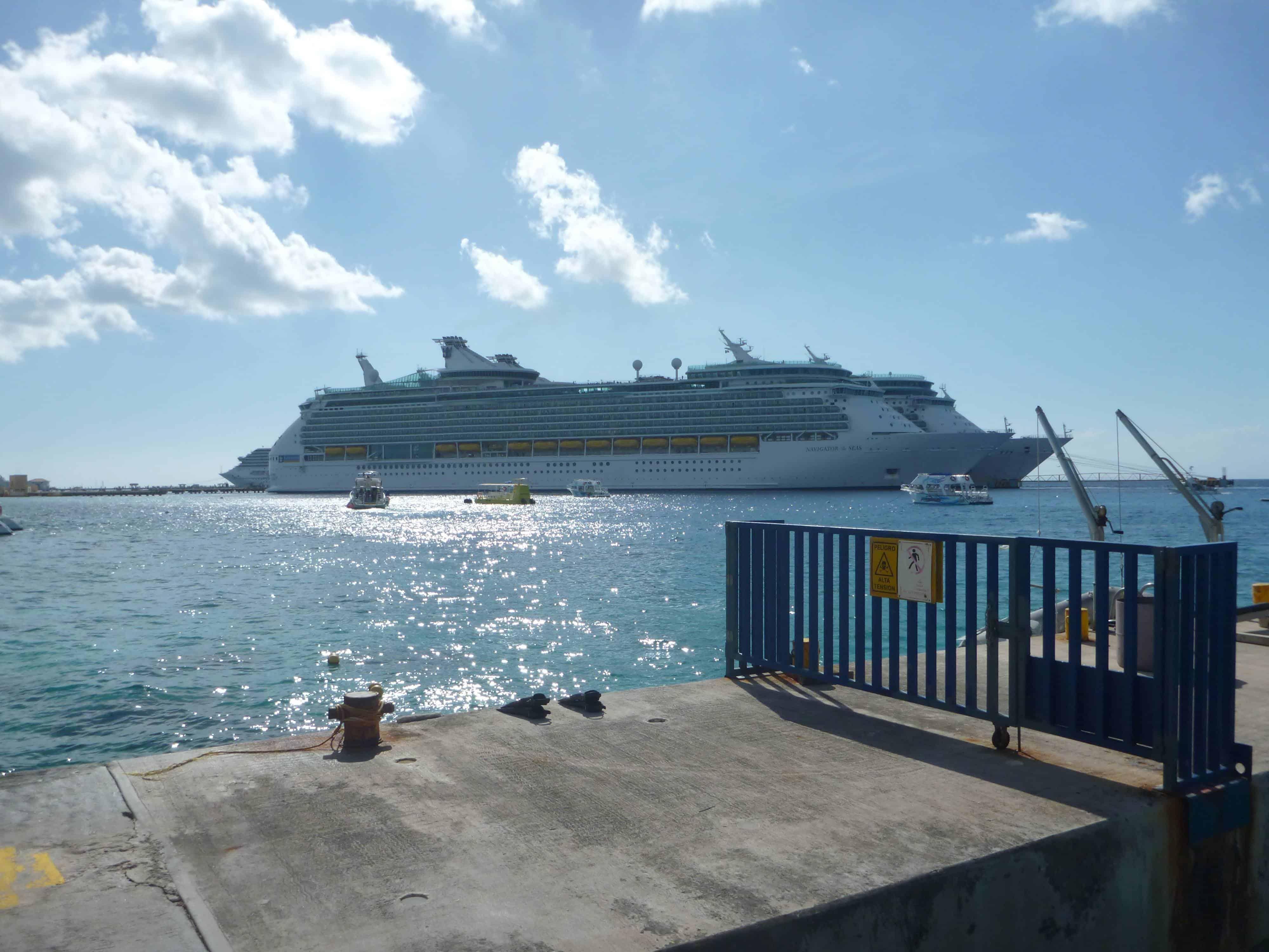 cruise ship in cozumel