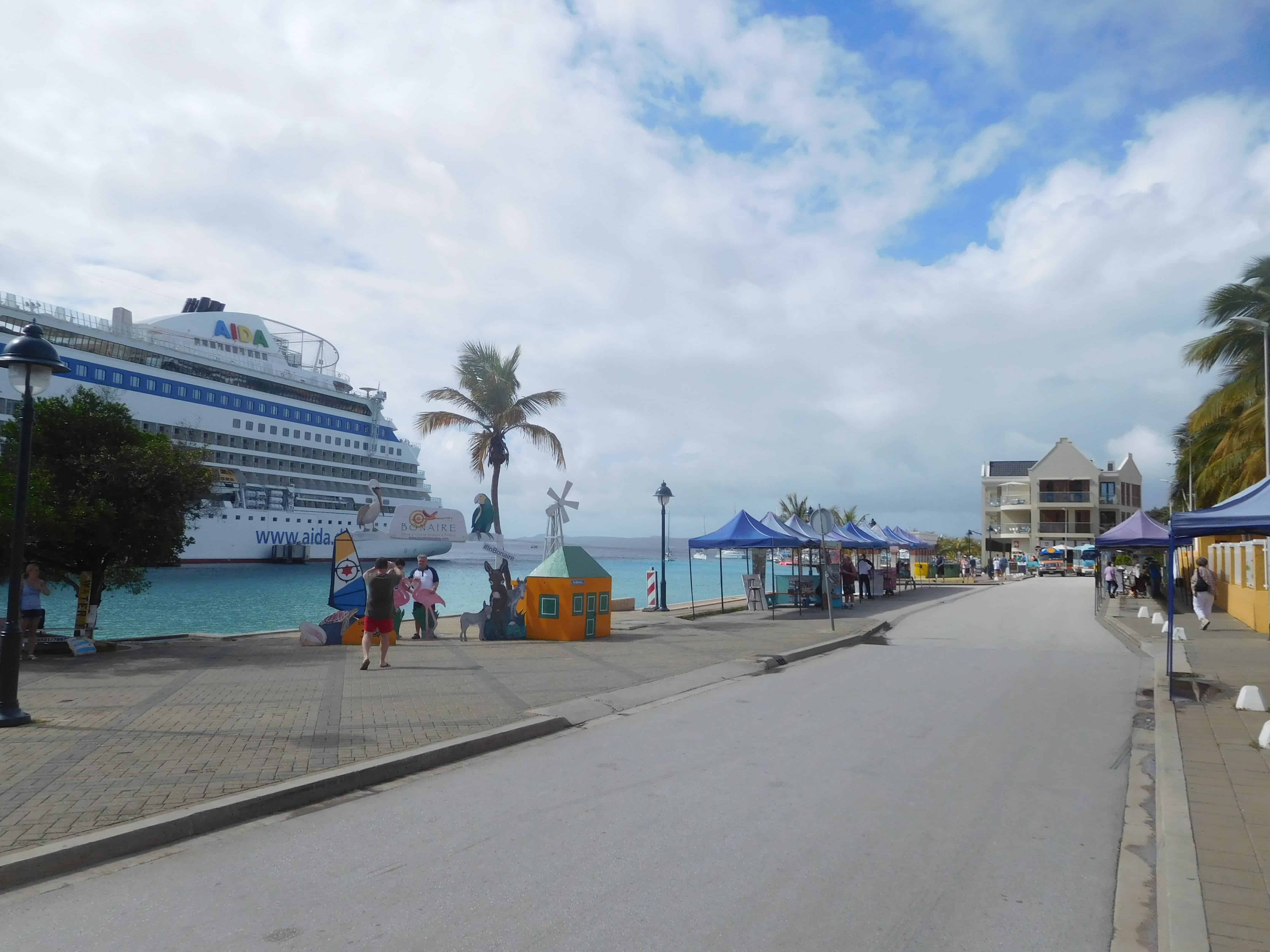 cruise ships in town on bonaire